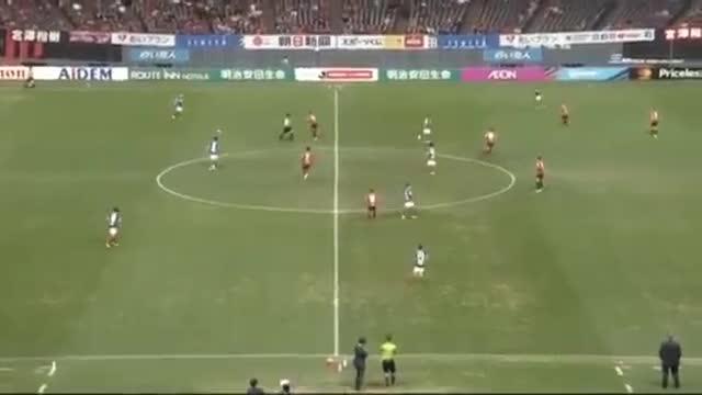 Chanathip tỏa sáng giúp Sapporo thắng 3-0