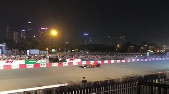 Màn trình diễn F1 đầy kỹ thuật tại Hà Nội (20/4/2019)