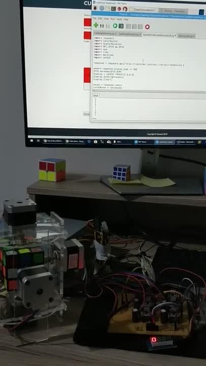 Robot giải khối rubik bằng thuật toán Kociemba.