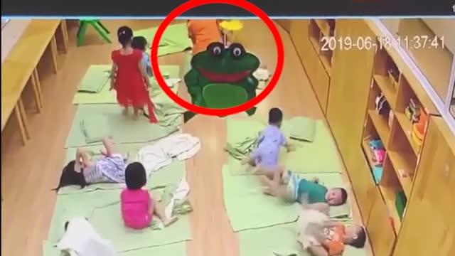 Cô giáo mầm non đánh trẻ tới tụ máu ở môi