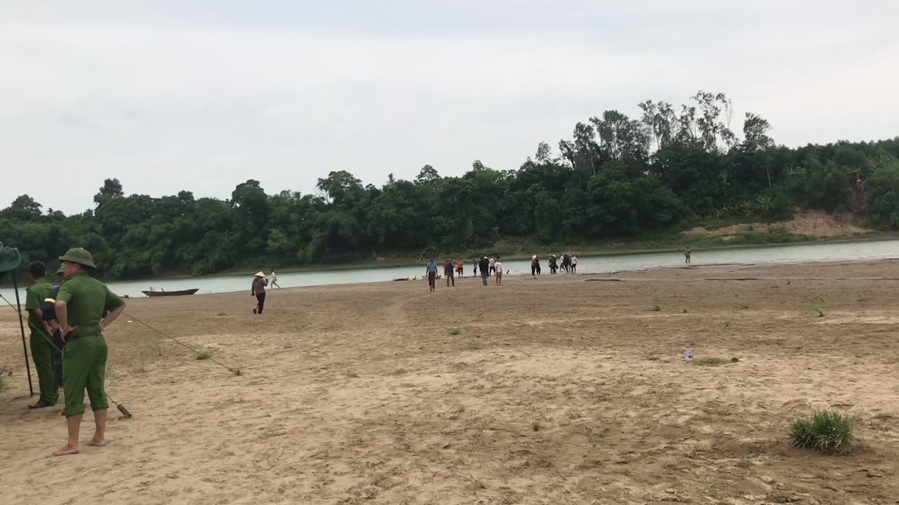 Video hiện trường vụ đuối nước khiến 3 nam sinh tử vong thương tâm.