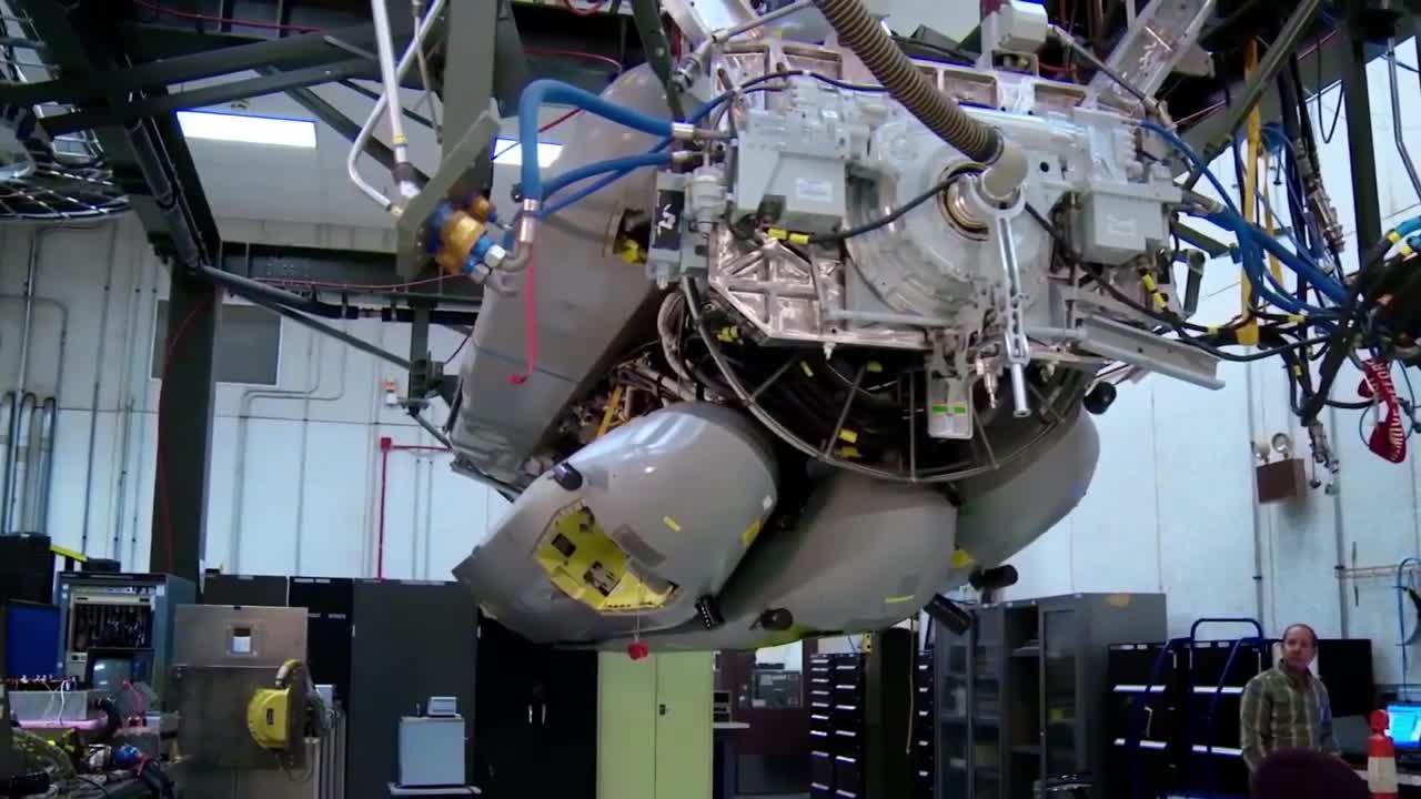 B-52 Stratofortress tấn công bằng bom lẫn đường bằng laser