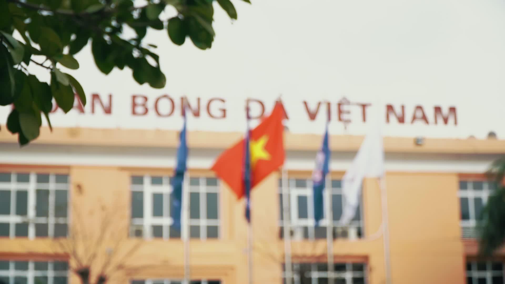 Đại sứ các nước G4 cùng Đội tuyển bóng đá nữ Việt Nam chúc Tết.