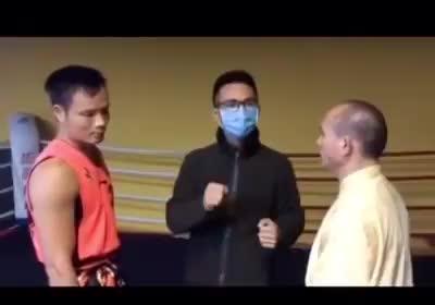 Võ sư cổ truyền vs võ sĩ nghiệp dư