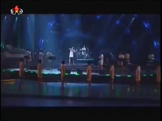 Ban nhạc Moranbong biểu diễn ca khúc ca ngợi đất nước