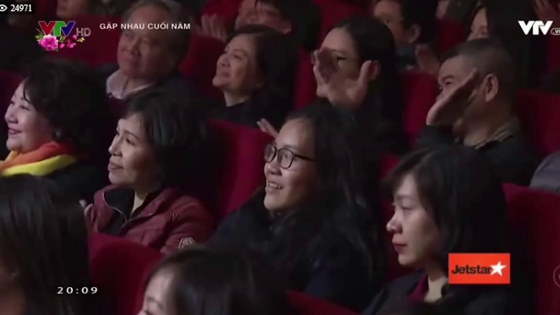 Hoa hậu Công Lý bị các Táo mỉa mai, tố thi chui.