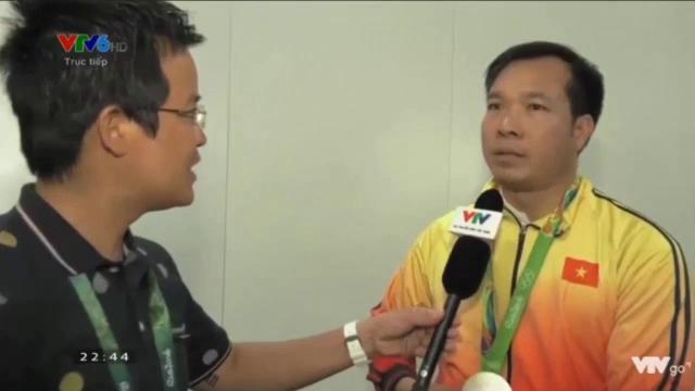 Hoàng Xuân Vinh trả lời phỏng vấn bằng chất giọng đầm ấm, truyền cảm.