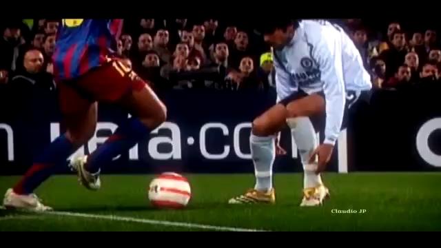 Những pha xử lý đỉnh cao mang thương hiệu Ronaldinho