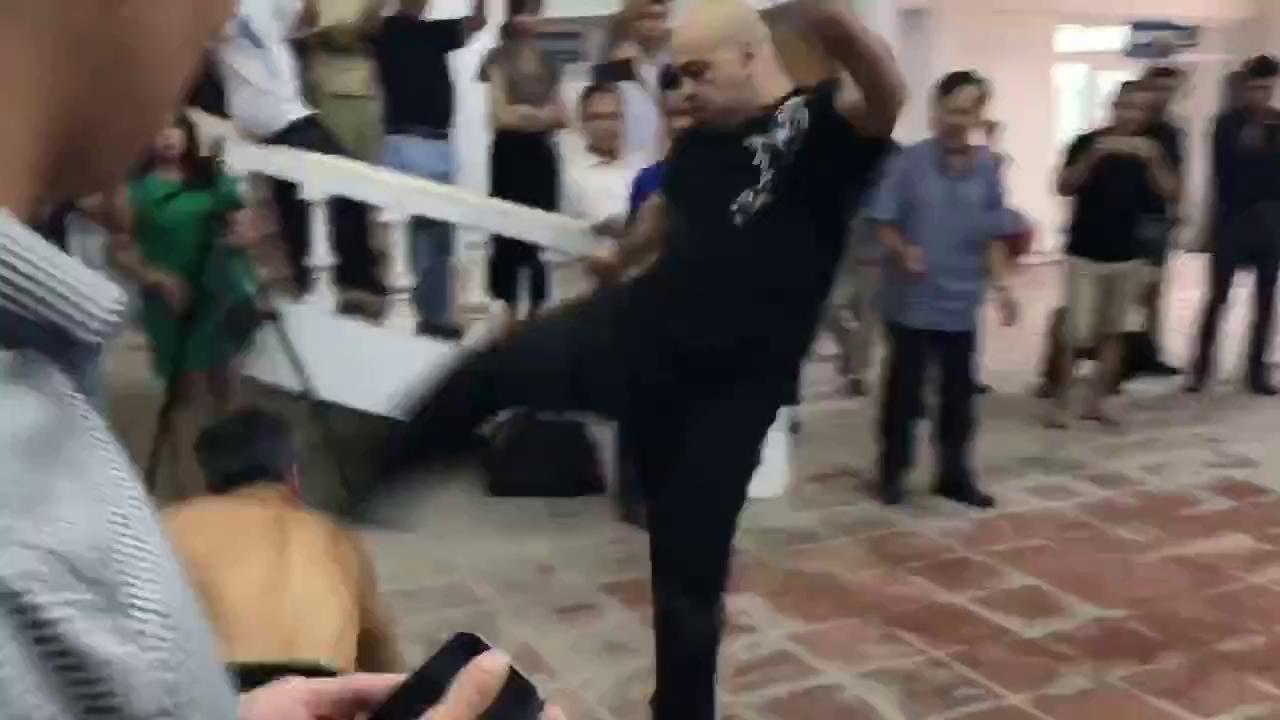 Tình huống võ sư Flores hạ gục võ sư Bảo Châu