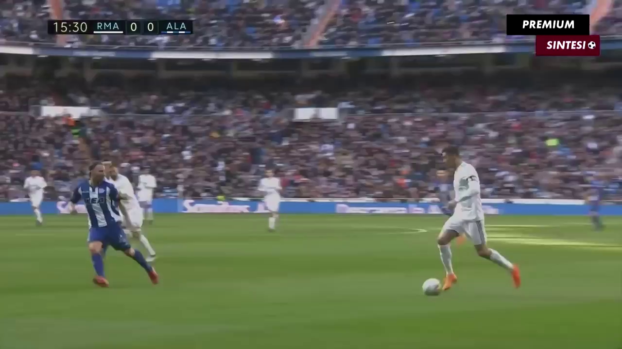 Vòng 25 La Liga: Real 4-0 Deportivo Alavés