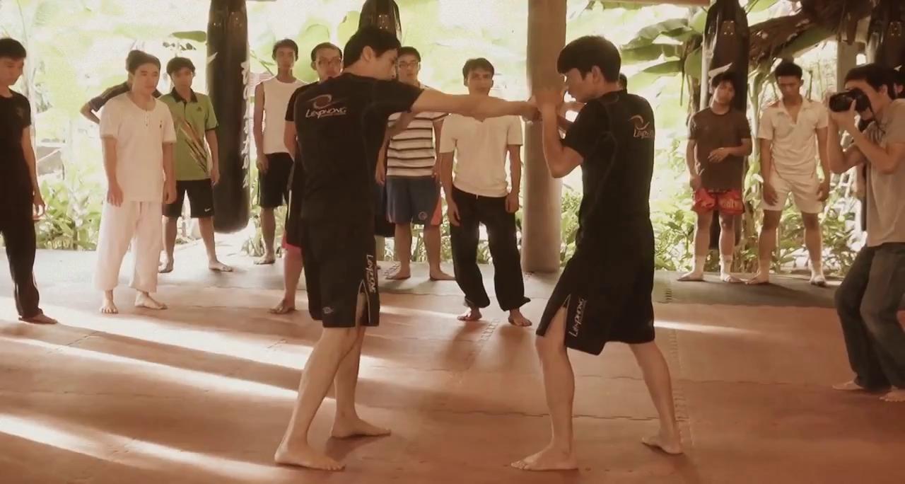 Clip Trí Nguyễn dạy võ thuật