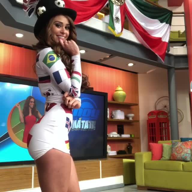 Cô gái thời tiết hấp dẫn nhất thế giới phát cuồng vì Mexico (Phần 1)