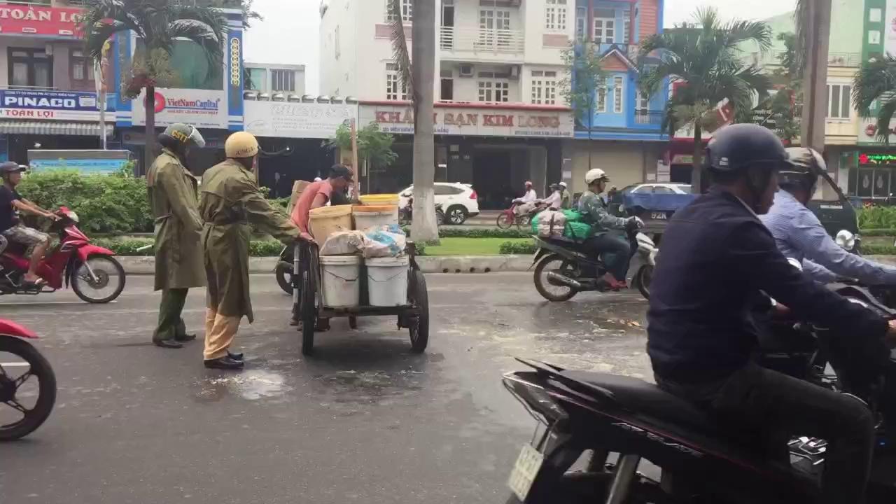 Hành động đẹp của CSGT Đà Nẵng