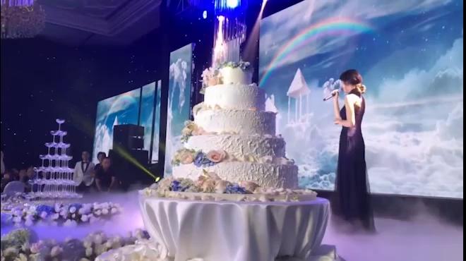 Trấn Thành, Hari Won song ca mừng hôn lễ Huỳnh Mi