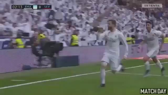Vòng 15 La Liga: Real 5-0 Sevilla