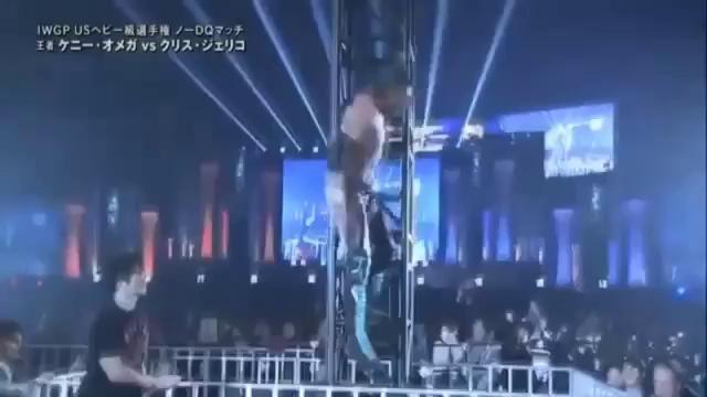 Thách đấu siêu đô vật Nhật Bản, huyền thoại WWE nhận cái kết đắng