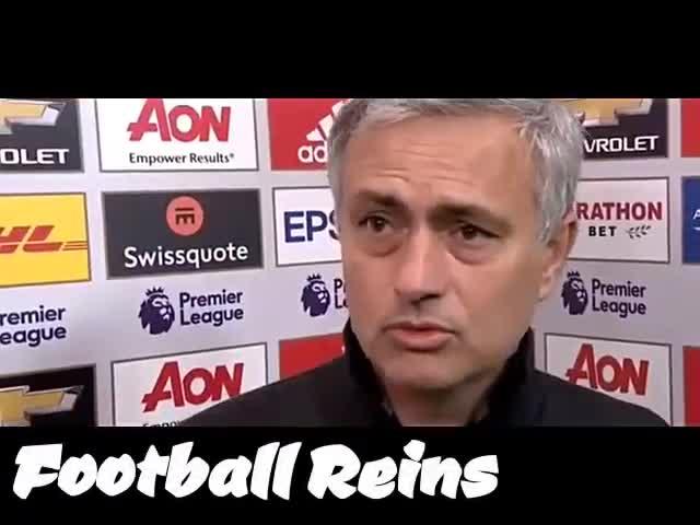 Pogba xen ngang vào cuộc phỏng vấn của Mourinho sau trận thắng 2-1 của M.U trước Liverpool