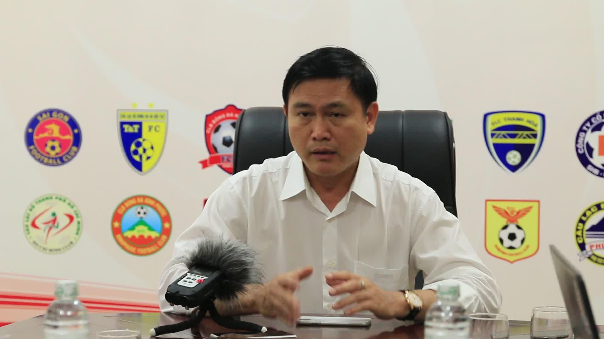Bầu Tú phát biểu tại buổi họp (Clip: Nguyễn Trường Giang)