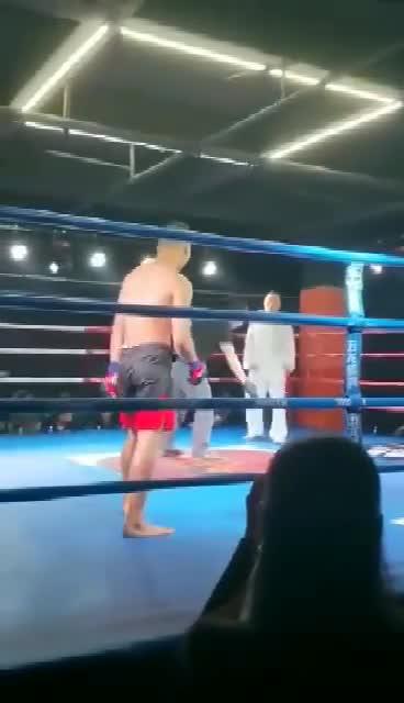 Chu Xuân Bình thua võ sĩ MMA nghiệp dư