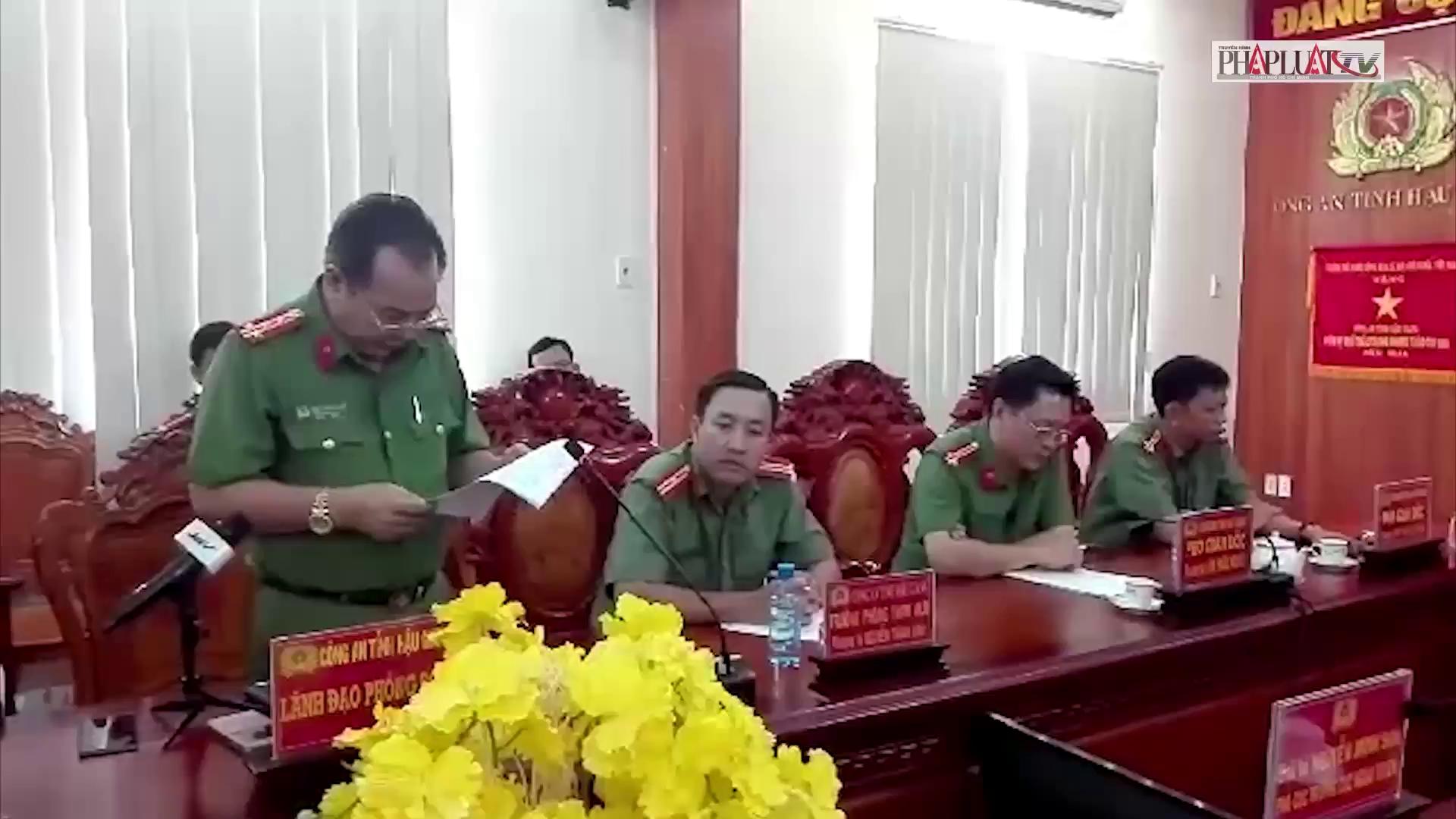 Buổi họp báo vụ con gái thuê người đốt xe làm cha chết (Nguồn: PL TPHCM)