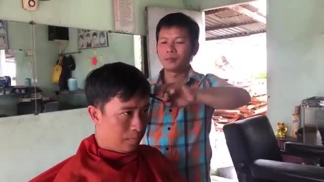 Thợ Cắt Tóc chia sẻ về những lần cắt tóc cho nguyên Thủ tướng Phan Văn Khải