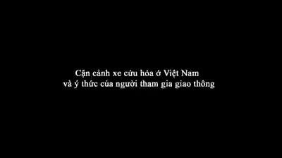 Xe cứu hỏa trên đường đi làm nhiệm vụ tại khu vực đường Cầu Diễn, Từ Liêm, Hà Nội.