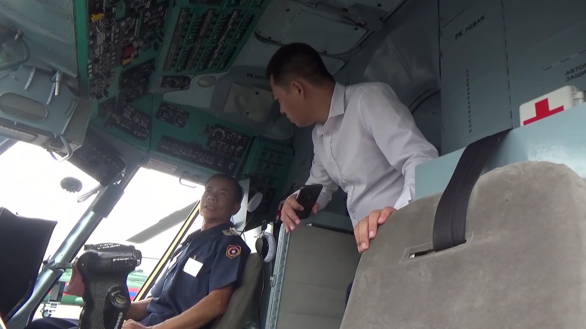 Phỏng vấn phi công trực thăng không quân Lào