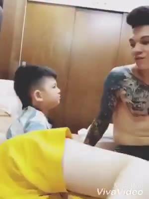 """Ông bố gây """"sốt"""" MXH với lí luận với con trai: """"Vợ thằng nào thằng đấy ngủ"""""""