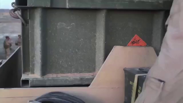 Xe thiết giáp phá mìn M1 ABV (Assault Breacher Vehicle) hoạt động tại chiến trường Trung Đông
