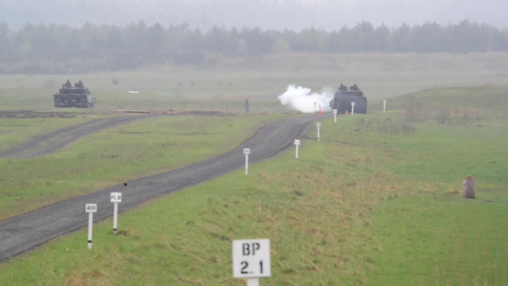 Xe tăng Leopard 2A6 tại giải đấu Strong Europe Tank Challenge 2017