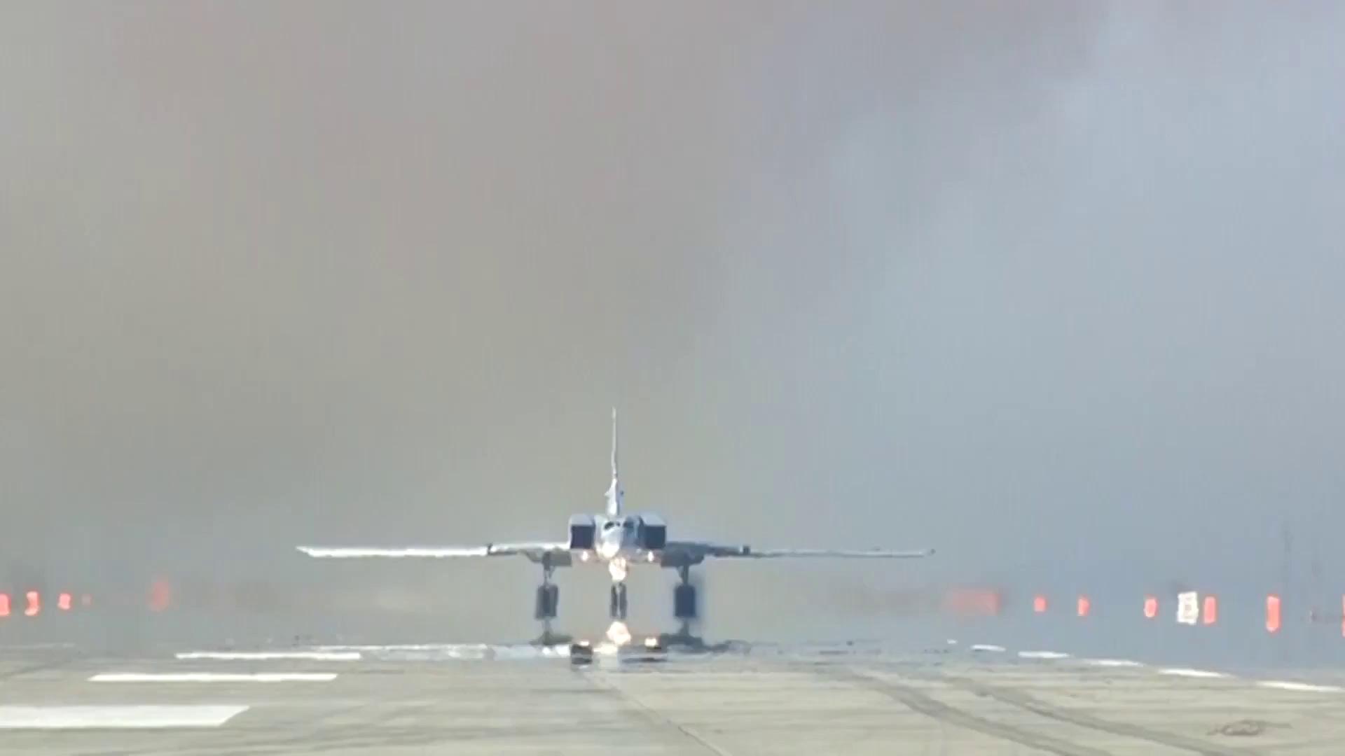Không quân chiến lược Nga phối hợp với Hải quân tập kích đường không IS trên chiến trường Deir Ezzor