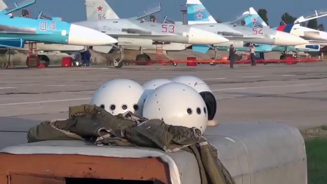 Su-30SM thực hiện các pha nhào lộn và thực chiến trên không