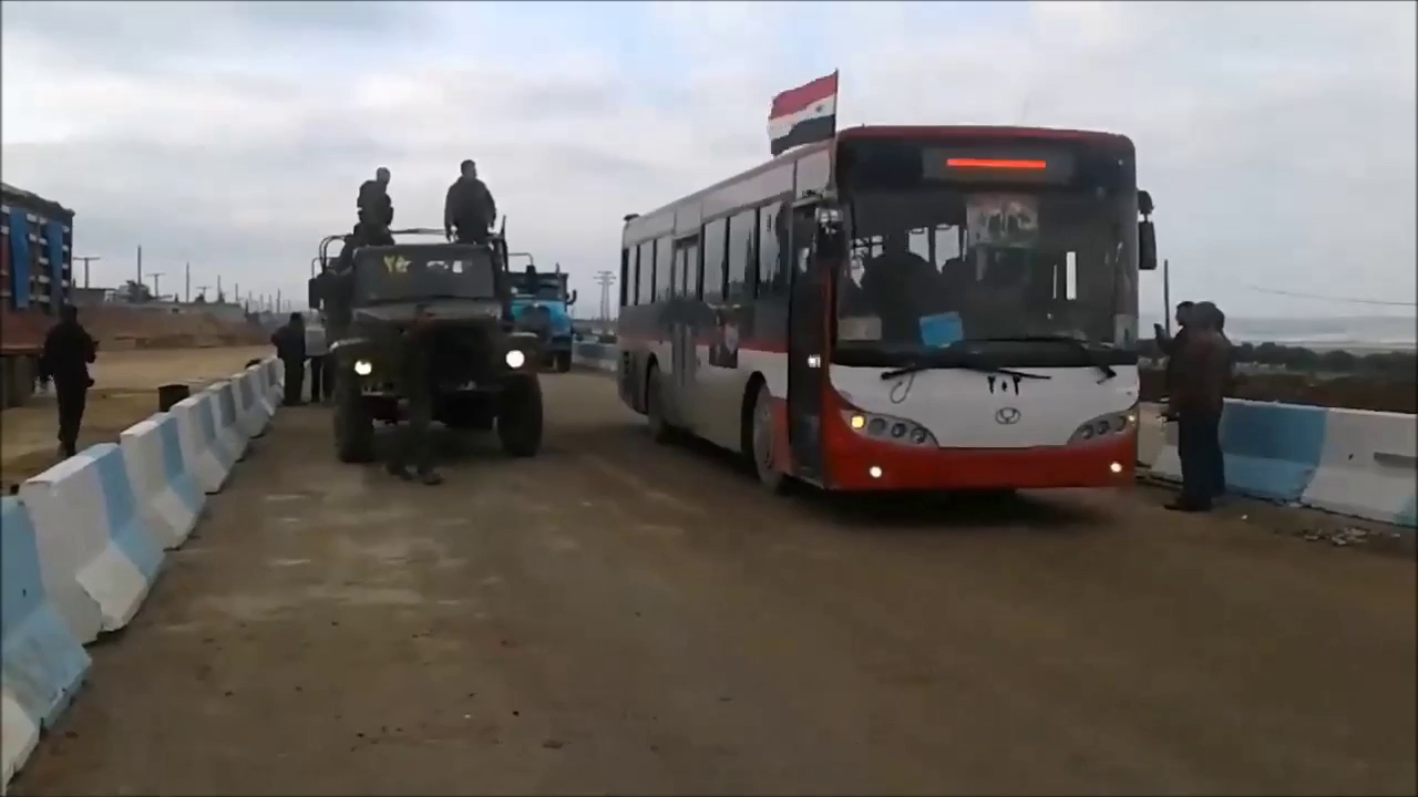 Quân đội Syria tiến vào Afrin dưới sự hộ tống của quân cảnh Nga