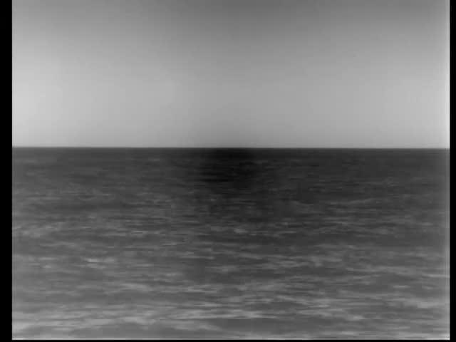 Hải quân Mỹ công bố video tàu ngầm USS John Warner phóng tên lửa hành trình tấn công Syria