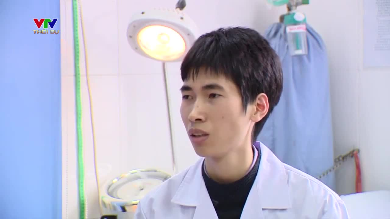 Clip: Bác sĩ Bệnh viện Xanh Pôn bị đánh chia sẻ (nguồn: VTV1)