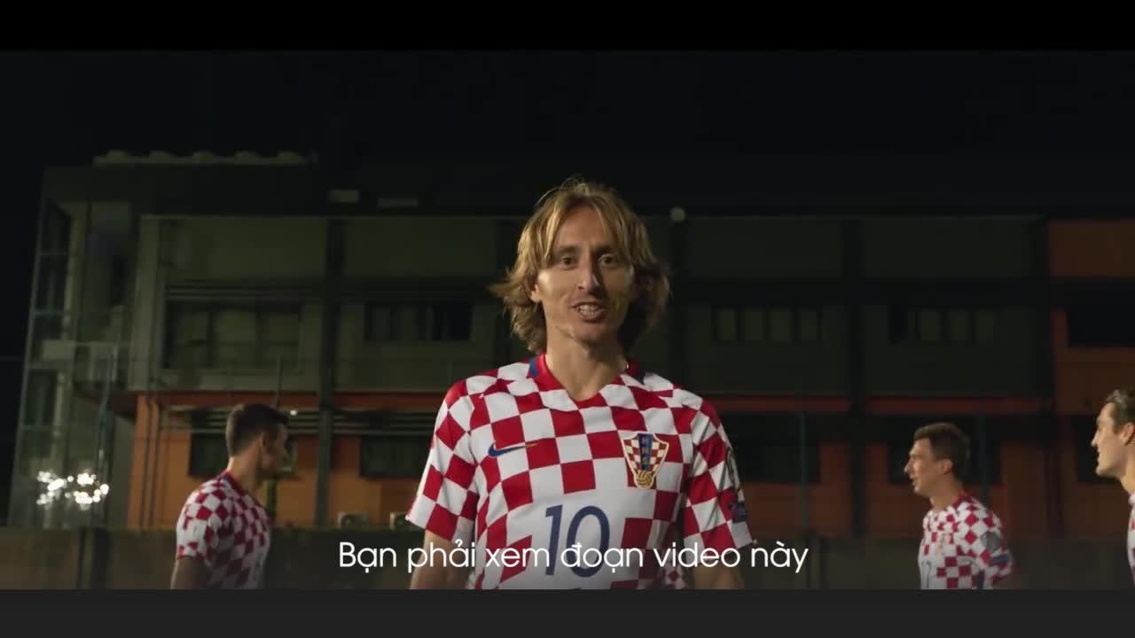 Đất nước Croatia hiện ra với vẻ đẹp đến nao lòng dưới sự giới thiệu của các tuyển thủ quốc gia