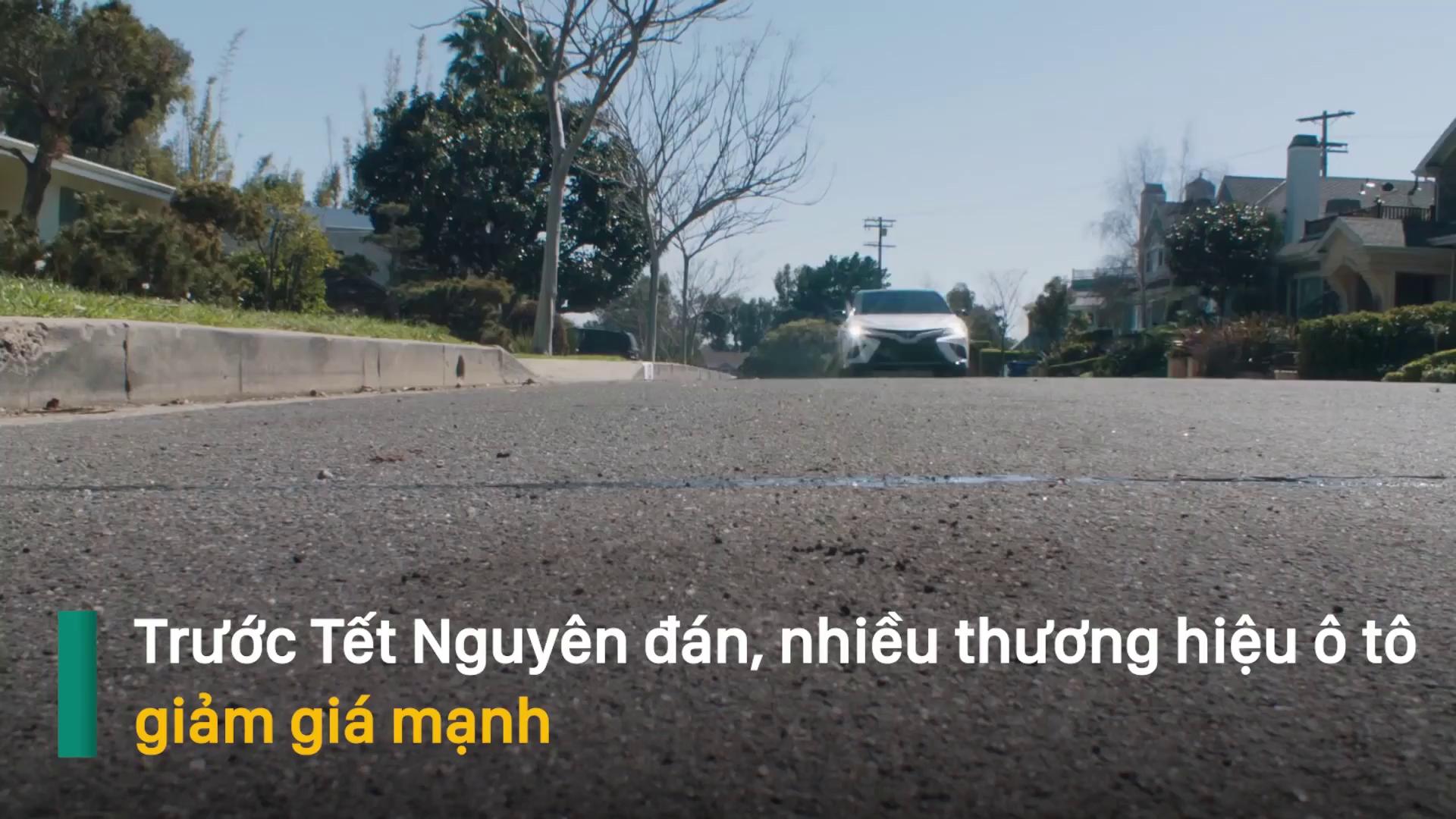 Sát Tết Nguyên đán, nhiều mẫu ô tô ồ ạt giảm giá mạnh