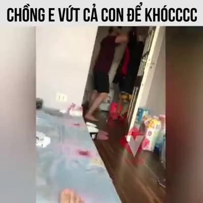 Ông bố khóc vì U23 Việt Nam