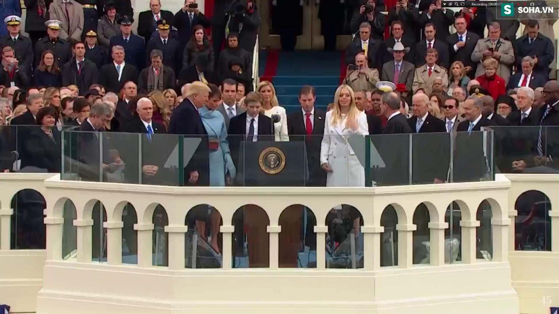 Tổng thống Mỹ Donald Trump tuyên thệ nhậm chức