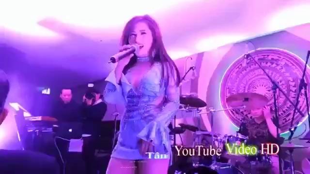 Hương Tràm hát trầm