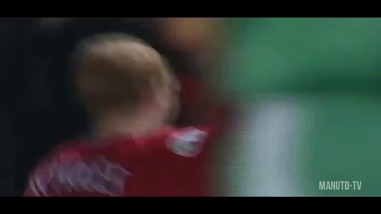 Top 10 bàn thắng của Scholes trong màu áo Man United