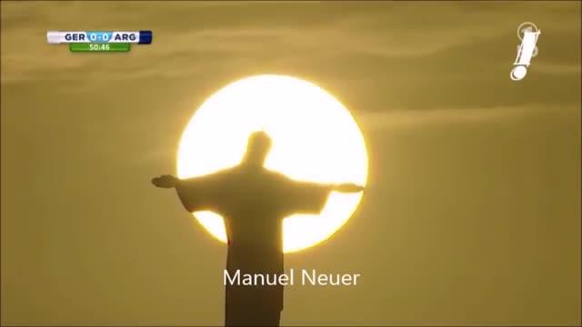Neuer lên gối trúng đầu Higuain