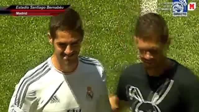 Sau Gotze, đến lượt Isco gây sự cố trong lễ ra mắt tại Real Madrid