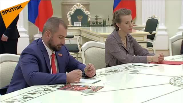 Tổng thống Putin gặp gỡ và chia sẻ về định hướng nước Nga trong tương lai với các đối thủ cũ