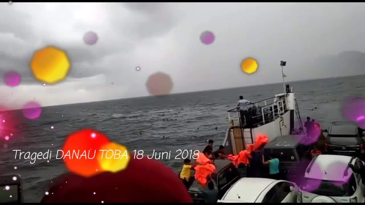 Vụ chìm phà tại hồ Toba, Indonesia khiến hơn 100 hành khách mất tích