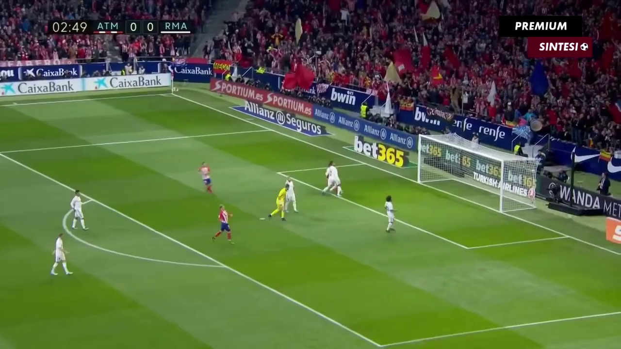 Vòng 12 La Liga: Atletico Madrid 0-0 Real Madrid