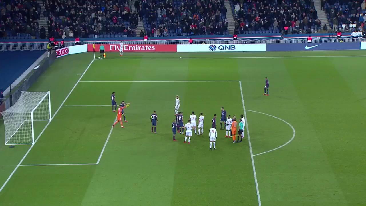 Bàn thắng siêu tốc của Mbappe vào lưới Lille