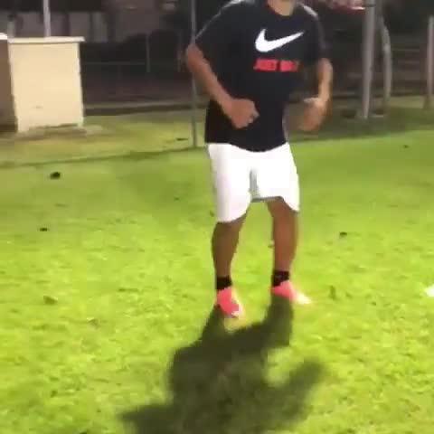 Adriano tập luyện