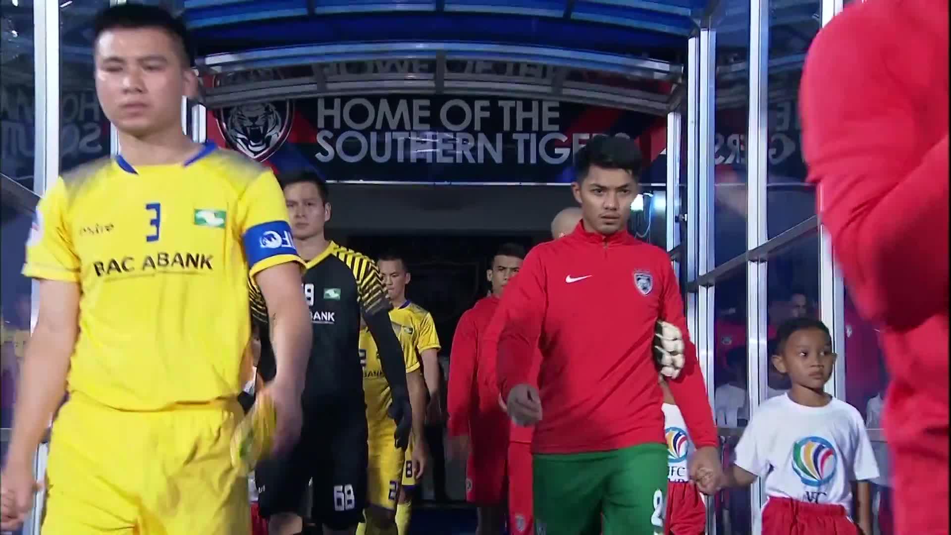 Vòng bảng AFC Cup: Johor DT 3-2 SLNA