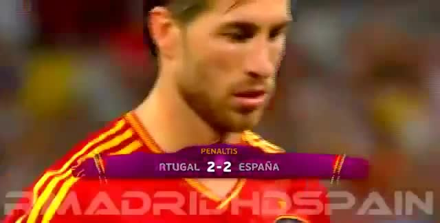 Pha penalty kiểu panenka của Sergio Ramos ở bán kết EURO 2012